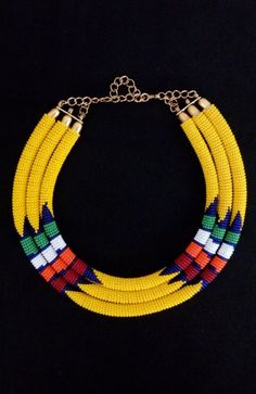 A must have in any color! Maasai jewellery Masai Jewelry, Rope Jewelry, Tribal Jewelry, Beaded Jewelry, Beaded Necklace, African Necklace, African Beads, African Jewelry, Fabric Necklace