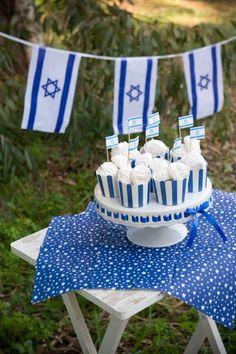 עיצוב יום העצמאות   Yom Ha'atzmaut   Pinterest Israel Independence Day, Jewish Calendar, Jewish Celebrations, Party Themes, Theme Parties, Hanukkah, Birthdays, Shabbat Shalom, Faith