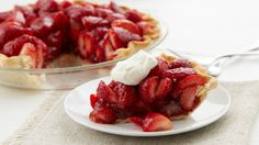 20 Ridiculously Easy Pies for Summer Summer desserts are all about ease so you can maximize your time spent having fun. Lucky for you, these pies are the easiest ever. Easy Strawberry Pie, Strawberry Desserts, Strawberry Fluff, Strawberry Cheesecake, Chocolate Cheesecake, Cheesecake Bars, Pie Recipes, Dessert Recipes, Pastries Recipes