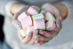 Looking for something fun and pretty for your nails? Then think of pastel colors and lighten up your fingers and toes with a rainbow of creamy hues. Sunday Inspiration, Nails Inspiration, Color Inspiration, Wedding Inspiration, Pastel Colors, Nail Colors, Color Nails, Soft Pastels, Rose Bonbon