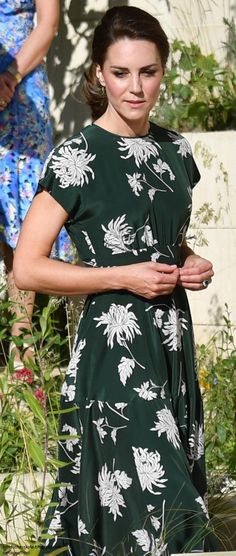 Duchess Kate: The Duchess Joins the Queen at Chelsea Flower Show & Kate Supports Children's Hospice Week!