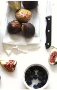 ricetta e ricette: Marmellata di fichi e mirtilli Eggplant, Plum, Salsa, Fruit, Vegetables, Food, Canning, Vegetable Recipes, Eten