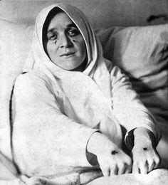 St. #Therese #Neumann displays her #stigmata marks during Easter, 1926. Therese Neumann was a German #Catholic #mystic and #stigmatic. #Christianity
