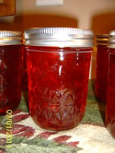 Cranberry Jalapeno Jelly - Cooking With Fire! Cranberry Jelly Recipes, Jalapeno Jelly Recipes, Jalapeno Canning, Jam Recipes, Canning Recipes, Hot Pepper Jelly, Homemade Jelly, Home Canning, Jam And Jelly