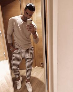 classymensfashion is part of Hipster mens fashion - Trouser Outfits, Casual Outfits, Fashion Outfits, Fashion Trends, Urban Style Outfits, Fashion Styles, Stylish Men, Men Casual, Stylish Clothes