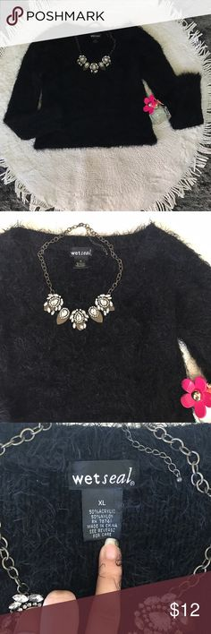 🎀Fluffy Black Crop Sweater🎀 This sweater is so adorable.! It's really fluffy and warm.! Would look gorgeous with a colorful skirt or jeans.! Runs quite small for being an XL, to a size Small/Medium it would fit like the picture in the listing 💕💕💕 Wet Seal Sweaters Crew & Scoop Necks