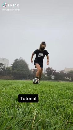 Soccer Footwork Drills, Soccer Practice Drills, Football Training Drills, Football Workouts, Soccer Skills For Kids, Soccer Tips, Football Soccer, Soccer Videos, Football Quotes