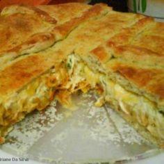 Receita de Torta salgada 2 recheios - torta e faça tirinhas com a massa para enfeitar (se preferir) Pincele bem com a gema de ovo batida com açúcar Asse e...