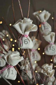 http://m.designmom.com/2012/11/reusable-advent-calendar/