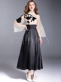 Shop Party Embroidery Mesh Flare Sleeve Maxi Dress at EZPOPSY. Trendy Dresses, Elegant Dresses, Cute Dresses, Vintage Dresses, Beautiful Dresses, Dress And Heels, Dress Me Up, Abaya Fashion, Fashion Dresses