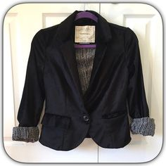 Friesan jacket by Cartonnier Excellent condition. Beautiful velvet lined jacket. Size small but runs small. Pictures can't capture how gorgeous and comfy this is. ❌no trades❌no PayPal ❌ Anthropologie Jackets & Coats Blazers