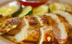 Chicken fillet with lemon and garlic Ingredients: Chicken breasts - 2 pcs. Olive oil - 30 ml Shallots - 1 pc. Chicken Fillet Recipes, Good Food, Yummy Food, Honey Chicken, Bon Appetit, Zucchini, Garlic, Chili, Favorite Recipes