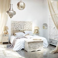 The white Indian Headboard 59 x adds class and exotic flair to your bedroom decor. With this headboard, sleeping will be more pleasant than ever. Furniture, Beautiful Bedrooms, Headboards For Beds, Interior, Home, Home Bedroom, White Headboard, Bedroom Decor, Morrocan Bedroom