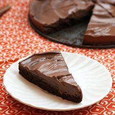 1 layer of rich chocolate cake, 1 layer of creamy mousse, and under 200 calories a slice.