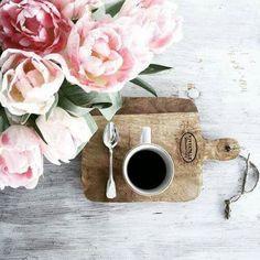 Beautiful styling. #tea #flowers #food_photography