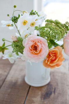 [House Of Flowers] floral arrangements, Bouquets 💐 My Flower, Fresh Flowers, Beautiful Flowers, Summer Flowers, Colorful Roses, Peach Flowers, Spring Blooms, Simple Flowers, Cactus Flower