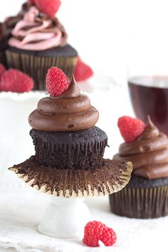Looking for an elegant chocolate cupcake? These red wine chocolate cupcakes with chocolate raspberry frosting are just the treat. They're so gorgeous!