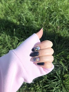 Grunge Nails, Swag Nails, Stylish Nails, Trendy Nails, Cute Acrylic Nails, Gel Nails, Feather Nails, Nails Only, How To Grow Nails