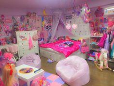 3 Decor Ideas For Teen Girl Bedrooms Girls Bedroom, Girl Bedroom Designs, Room Ideas Bedroom, Bedroom Decor, Pastel Room, Pink Room, Kawaii Bedroom, Unicorn Bedroom, Emoji Bedroom