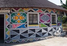 Esther Mahlangu will paint two mural-scale works, which will serve as a gateway to the museum's African Art Gallery. African Hut, African Logo, Decoration Restaurant, South African Artists, World Crafts, Art Brut, Inca, African Design, Museum Of Fine Arts