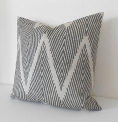 Ikat de chevron gris et Tan décoratif jeter coussins/couverture