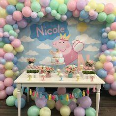 Peppa Pig Birthday Decorations, Peppa Pig Birthday Cake, Girl Birthday Themes, Third Birthday, 2nd Birthday Parties, Peppa Pig Party Ideas, Aniversario Peppa Pig, Cumple Peppa Pig, Alice