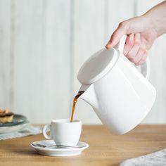 Das richtige Geschenk für Morgenmuffel und Coffee-Addicts: Kaffeekanne Oskar SoftBrew  1,3 Liter -  Dank des SoftBrew-Systems wird der Kaffee keinem Druck ausgesetzt. Durch diesen besonders schonenden Brühvorgang behält er sein natürliches, unverfälschtes Aroma.