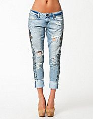 Cassie Boyfriend Jeans - River Island - Indian - Jeans - Clothing - NELLY.COM UK