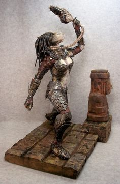 Predator Costumes, Models, Kits and Collectibles - Predator Stuff! Predator Cosplay, Predator Costume, Alien Creatures, Fantasy Creatures, Toy Art, Aliens Colonial Marines, Predator Action Figures, Armadura Cosplay, Female Monster