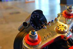 Die Schalter in die Gabelbrücke integriert. Geil! Yamaha XV 750 Umbau von Plan B Motorcycles