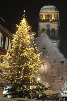 ♥ Alsace at anytime of the year, but especially at Christmas! ... Kaysersberg, France