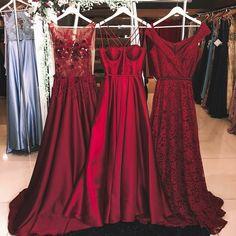 Vestido marsala 😍❤️ 1, 2 ou 3 ? Qual vestido vocês preferem? Vestidos @joanajuliaomarca 💕 Eles enviam para todo Brasil e a nova coleção está um… Hoco Dresses, Event Dresses, Pretty Dresses, Beautiful Dresses, Dress Outfits, Bridesmaid Dresses, Fashion Outfits, Half Saree Designs, Red Gowns