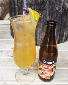 Kom in och prova en av sommarens nykomlingar en fräsch lagerita med färskpressad citrus tequila och en kall öl. #hemmagastronomi #beergeeks #norrbotten #matbar #corralejo #dugges #cocktails #mixologist by hemmagastronomi