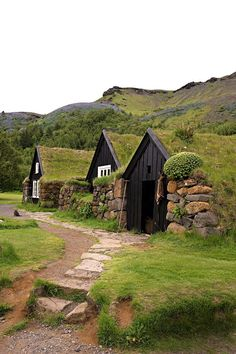 """Surnommé """"terre de glace"""", l'Islande étonne autant par ses spectaculaires paysages que par son architecture en pleine mutation."""