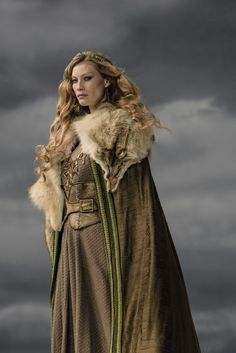 Alyssa Sutherland as Princess Aslaug in Vikings