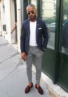 a casual summer work look with a white tee, a navy blazer, grey pants, brown loafers - Styleoholic Loafers Outfit, Loafers Men, Mens Brown Loafers, Mens Tassel Loafers, How To Wear Loafers, Stylish Men, Men Casual, Casual Wear, Mode Bcbg