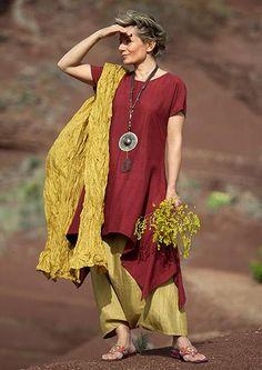 10511337_528005727326402_8370070826609734220_n.jpg (403×570)   http://www.amalthee-creations.com/lagen-look-silk-set.3347