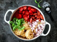 Bilderesultater for trines one pot Spaghetti Bolognese, Just Eat It, One Pot Pasta, Frisk, Penne, Chorizo, Great Recipes, Cravings, Cabbage