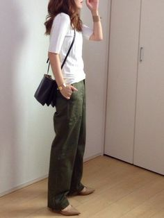 mayumiさんのコーディネート Japan Fashion, Work Fashion, Fashion Pants, Daily Fashion, Fashion Outfits, Womens Fashion, Fashion Trends, Chic Outfits, Casual Chic