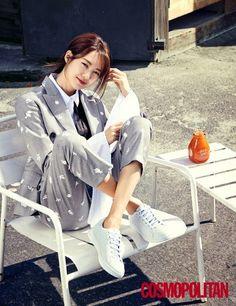 Lee Yo Won poses for 'Cosmopolitan' in San Francisco | allkpop.com