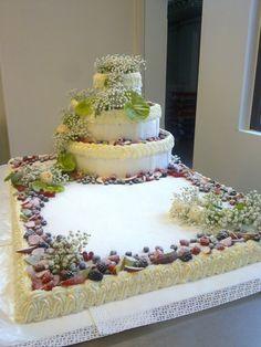 Wedding cake Birthday Cake Decorating, Cake Decorating Supplies, Cake Decorating Techniques, Beautiful Cake Designs, Beautiful Wedding Cakes, Beautiful Cakes, Weddig Cakes, Wedding Sheet Cakes, Red Velvet Wedding Cake