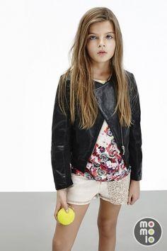 www.momolo.com Look de Pinko Up   MOMOLO Street Style Kids :: La primera red social de Moda Infantil  #fashionkids #kidsfashion #modainfantil #niños #kids #moda #tendencias #streetstyle #streetstylekids