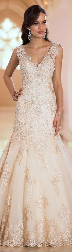 Charming Tulle V-neck Natural Waistline Mermaid Wedding Dress