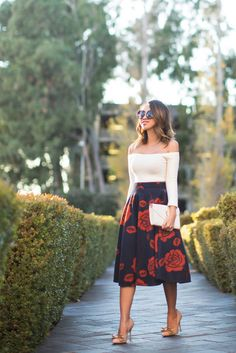 floral midi skirt and off-the-shoulder white top Look Fashion, Trendy Fashion, Spring Fashion, Fashion Show, Autumn Fashion, Fashion Outfits, Womens Fashion, Travel Outfits, Fashion Days