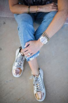 New G Shock, Celebrity Style Guide, Sleek Look, Daily Look, Fall Wardrobe, Gold Watch, Fashion Forward, Color Pop, Rose Gold