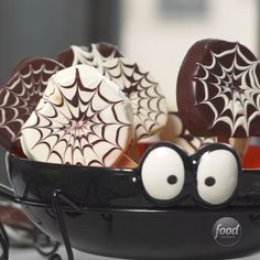 Recipe of the Day: Apple Spiderweb Pops Fresh fruit is the surprise inside these chocolate-dipped webbed treats. Thick slices of tart apple stand in for candy. They're festively sweet pops you can feel semi-wholesome about enjoying.