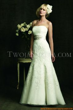 Robe de mariée Allure 8908 Bridals