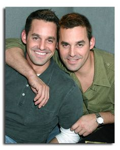 Nicholas Brendon (Schultz) and he twin Kevin Donovan that was he's double on buffy the vampire slayer. Famous Twins, Famous Names, Celebrity Twins, Angel Show, Hottest Male Celebrities, Celebs, Identical Twins, Star Wars, Twin Brothers