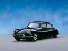 1955 Citroen DS, named 'Most beautiful car of all time' by Classic & Sports Car magazine / Flaminio Bertoni