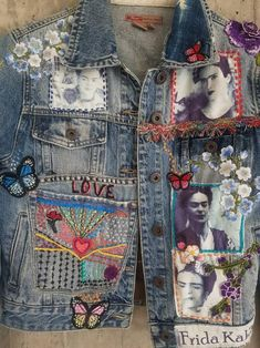 Punk Jeans, Denim Jeans, Embellished Jeans, Embellished Jackets, Redo Clothes, Denim Jacket Patches, Denim Art, Denim Crafts, Vintage Jeans